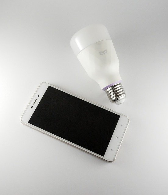 smart bulb with smart phone